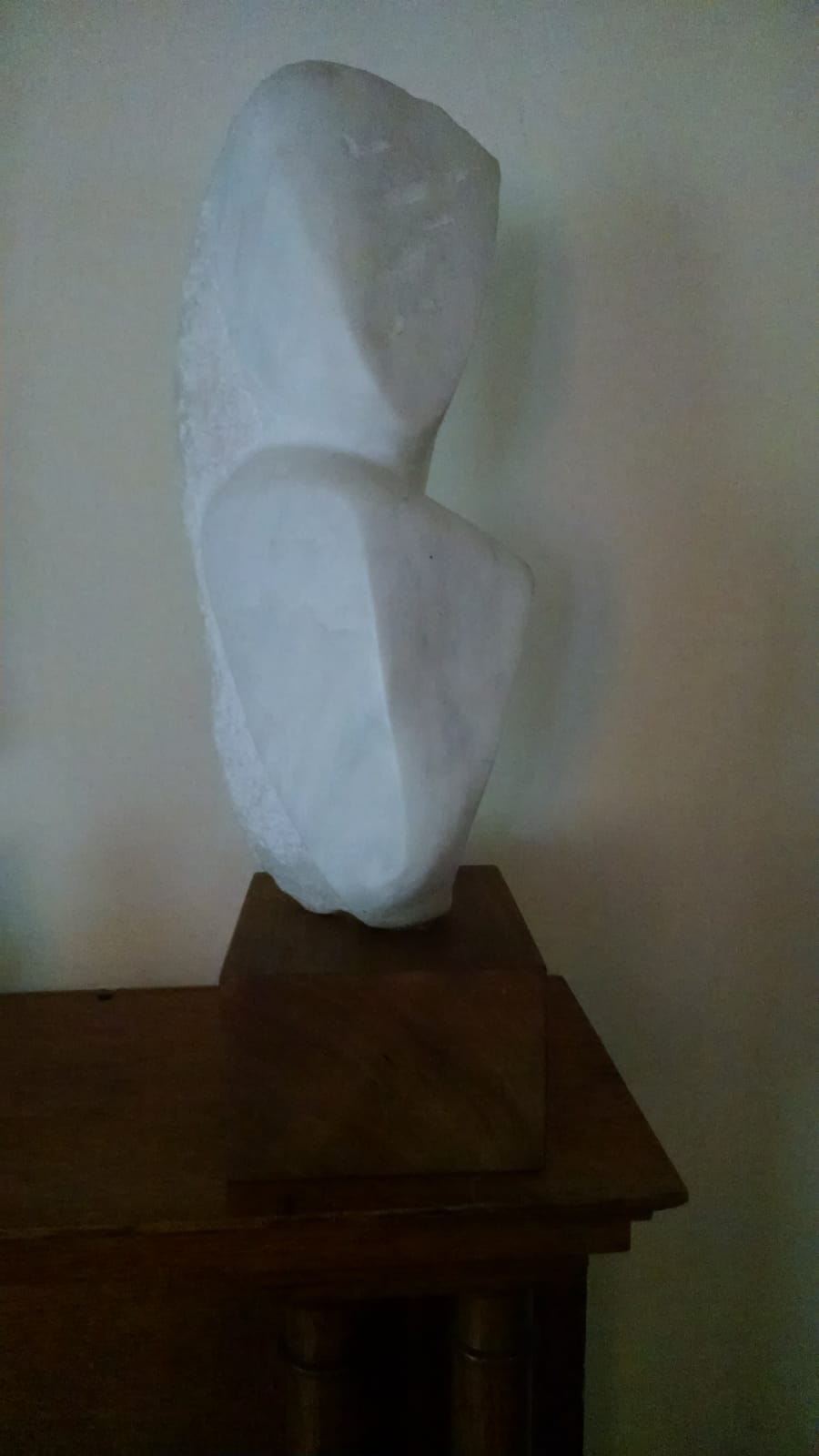 Bust of a woman artwork by Naomi Feinberg - art listed for sale on Artplode